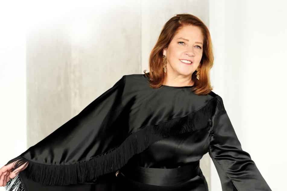 """Im März veröffentlichte die 56-Jährige mit """"Wer lacht, überlebt"""" ihr erstes deutschsprachiges Album."""