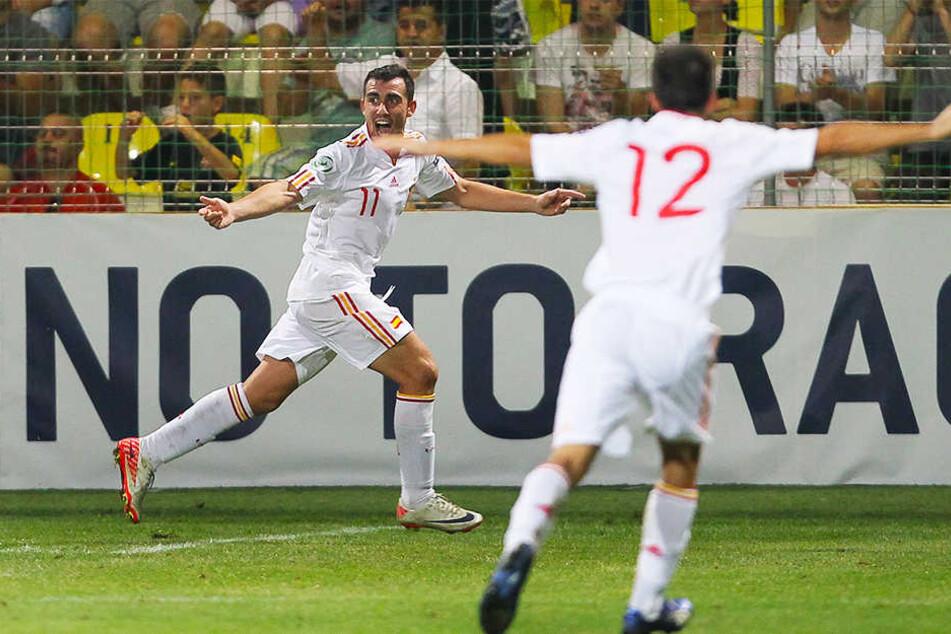 Riesenjubel: Im zarten Alter von 17 Jahren schoss Paco Alcacer (l.) Spanien zum Gewinn der U19-Europameisterschaft.