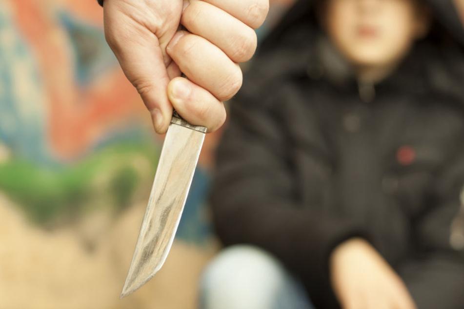 Die Polizei ermittelt nun gegen die jugendlichen Angreifer wegen Landfriedensbruch. (Symbolbild)