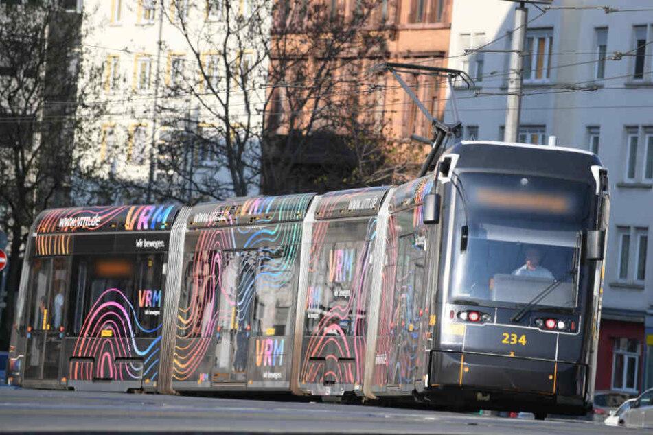 Der Straßenbahnfahrer konnte den Aufprall nicht mehr verhindern.