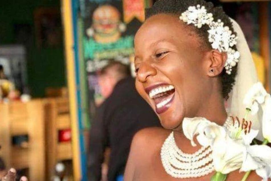 Die Studentin ist auch ohne Mann eine glückliche Braut.