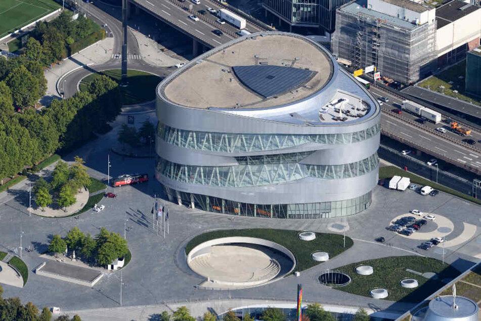 """Die Veranstaltung """"Vision Smart City"""" findet rund um das Mercedes-Benz-Museum statt."""