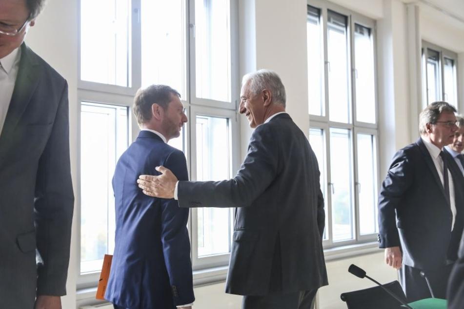 Noch- und Bald-Regierungschef: Stanislaw Tillich und Michael Kretschmer bei der Fraktionssitzung.