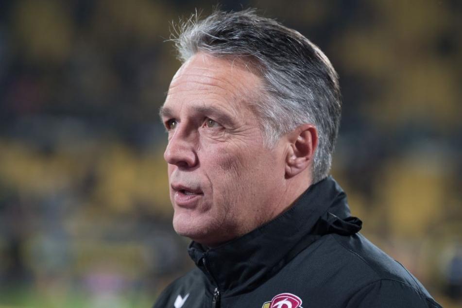 Trainer Uwe Neuhaus lehnt Psychologen nicht grundsätzlich ab, glaubt aber, dass es momentan den Eindruck von Panik erwecken würde.
