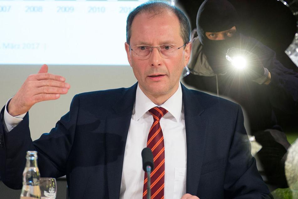 Sachsens Innenminister Markus Ulbig (52, CDU) informierte am Mittwoch über die Kriminalitätsstatistik in Sachsen.