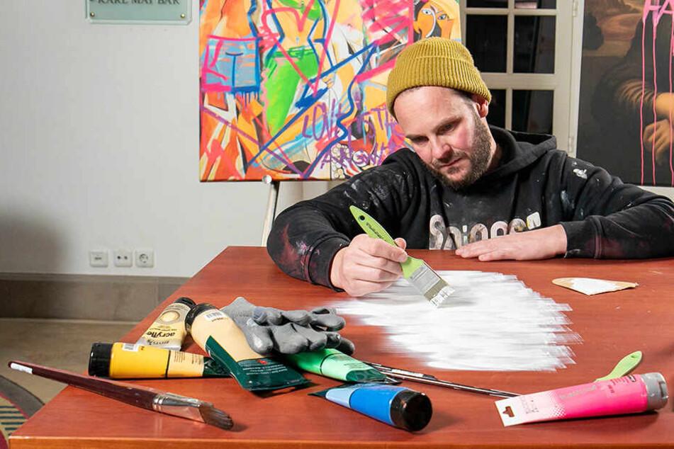 Berühmter Kempi-Künstler Turrek versteigert seinen lackierten Zaubertisch