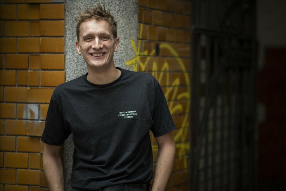 Felix Kummer öffnet am Freitag seinen Plattenladen in Chemnitz.