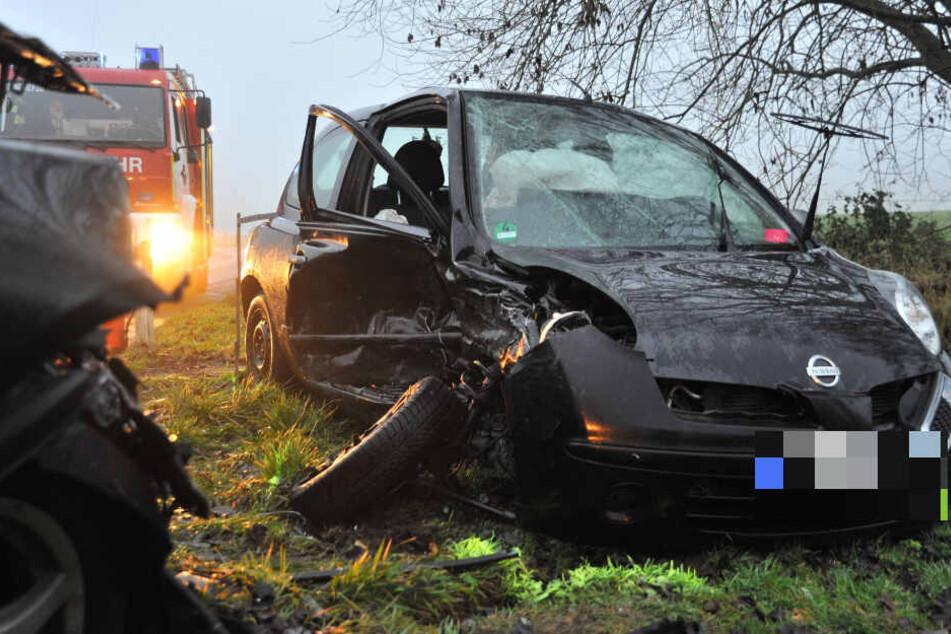 Warum die 20-Jährige mit ihrem Nissan in den Gegenverkehr geriet, ist noch nicht geklärt.