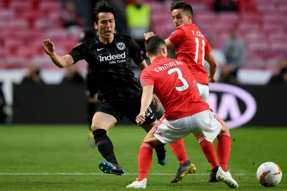 Dauer-Pressing und viel Einsatz zeichneten die Eintracht um Makoto Hasebe (Li.) in der Anfangsphase gegen Benfica Lissabon aus.