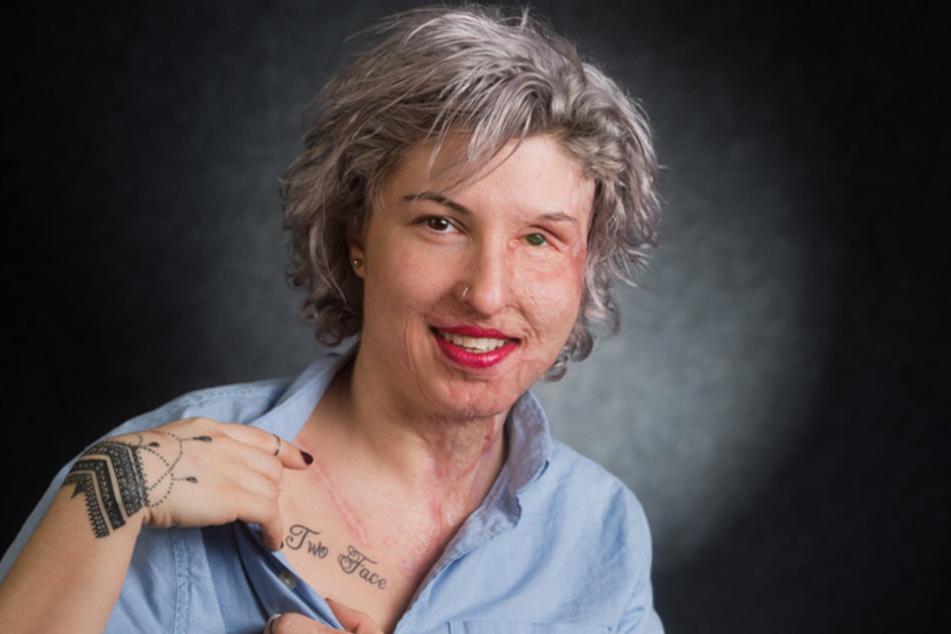 """Die Comicfigur """"Two-Face"""" der Batman-Serie inspirierte Vanessa zu ihrem neuusten Tattoo."""