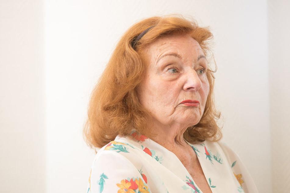Mutter Ingrid steht die Sorge um ihre Familie und die Zukunft des Unternehmens ins Gesicht geschrieben.