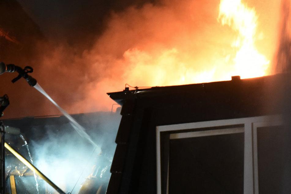 Ein dreijähriger Junge überlebte den Brand in der Wohnung seiner Eltern nicht.