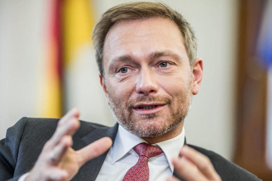 FDP-Chef Christian Lindner tritt für ein Kopftuchverbot für Mädchen ein.