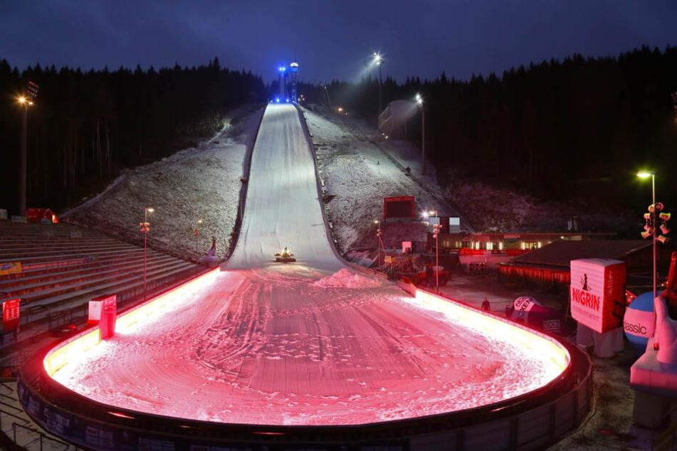 Am Wochenende findet in der Vogtland Arena in Klingenthal der Skisprung-Weltcup statt.
