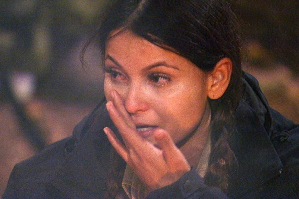 Kattia Vides heult sich die Gründe ihres Umzugs von Kolumbien nach Deutschland aus der Promi-Seele.