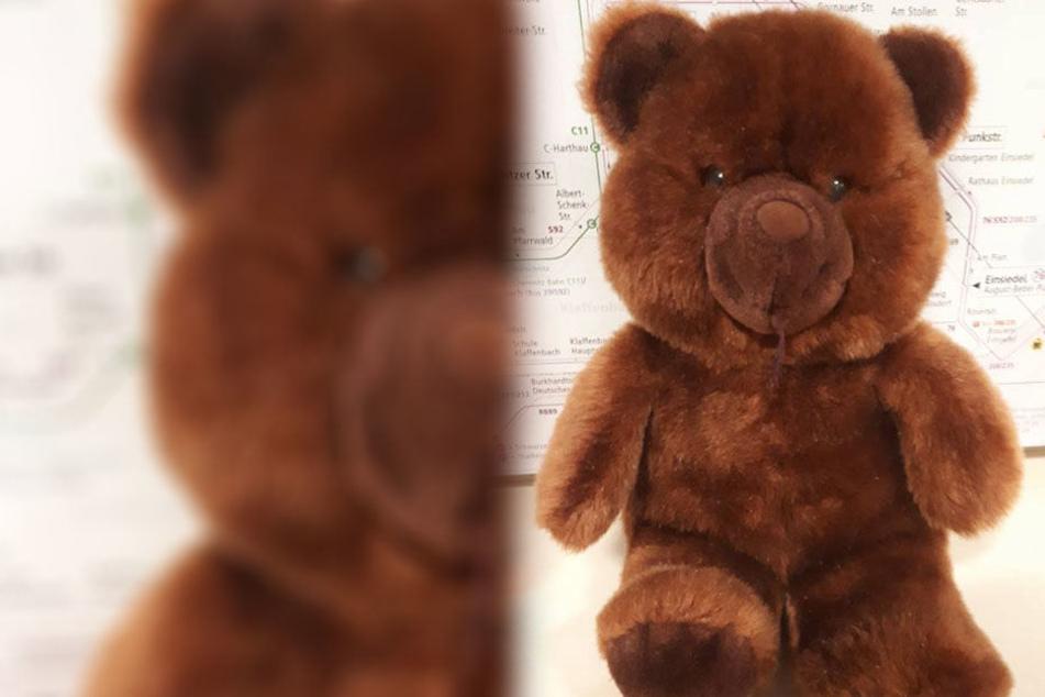 """""""Bitte holt mich ab"""": Verlorener Teddy sucht Buskind!"""