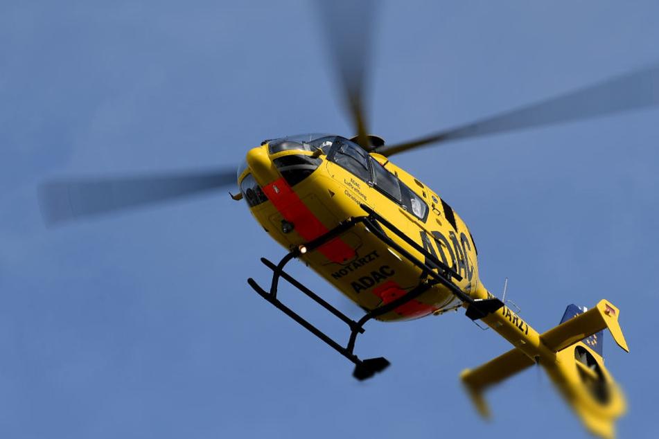 Die vier Verletzten mussten mit einem Hubschrauber in Berliner Krankenhäuser geflogen werden. (Symbolbild)