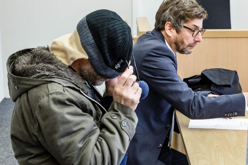Der Angeklagte gab am Donnerstag ein erstes Geständnis ab.