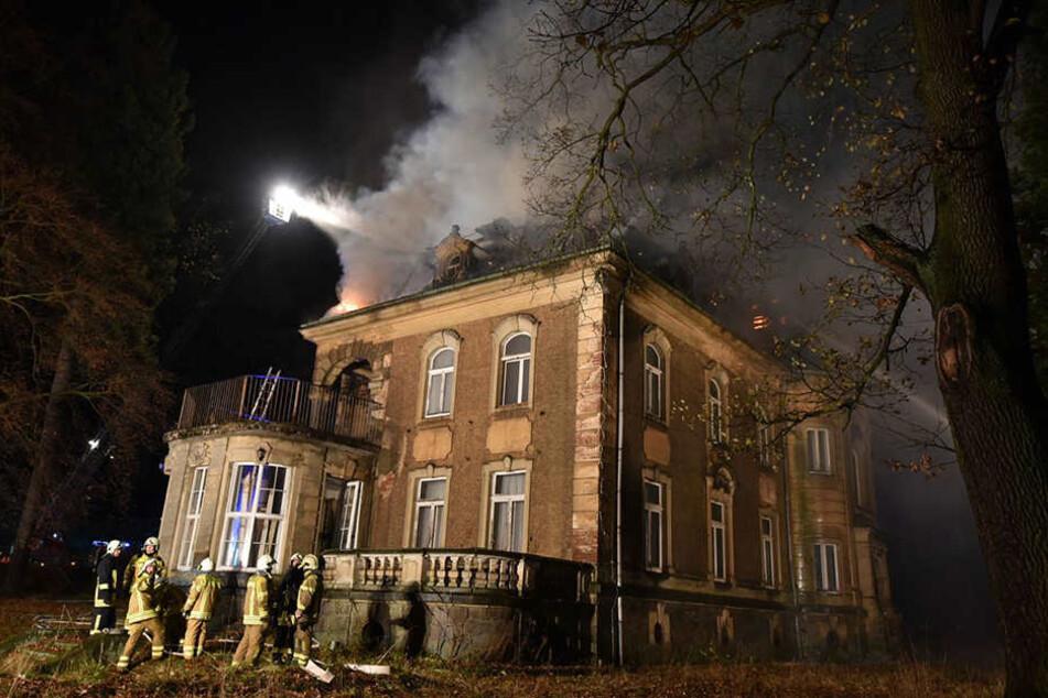 In Neugersdorf brannte am Donnerstag eine Villa.