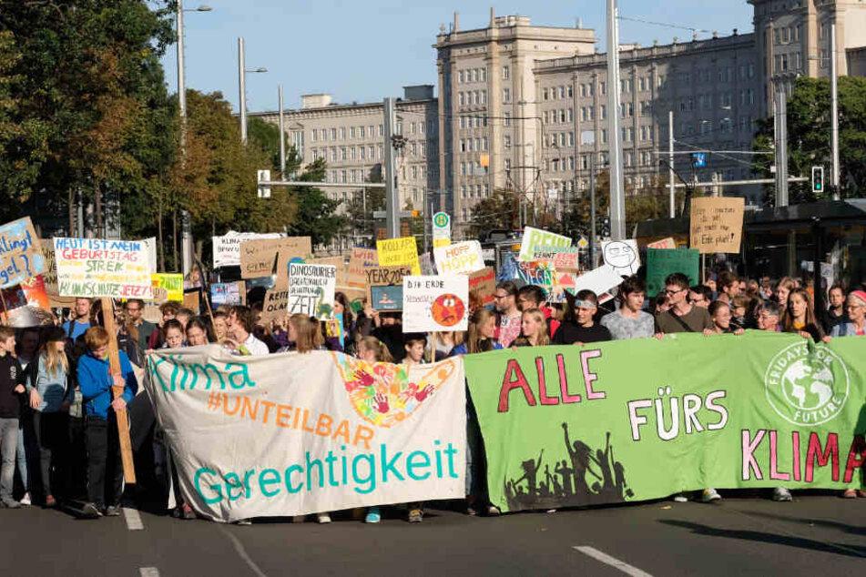 """""""Fridays for Future"""" und """"Parking Day"""" legen Leipzig lahm"""