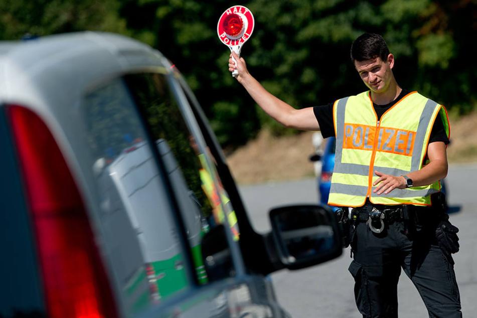 Auf der A4 bei Görlitz ging einer Polizeistreife ein Schleuser ins Netz. (Symbolbild)
