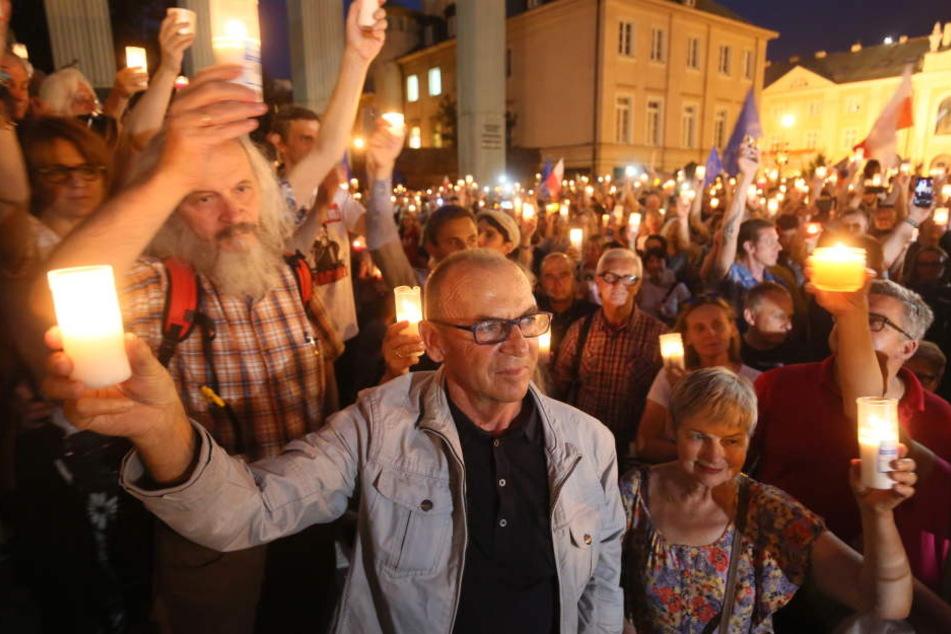 Friedliche Demonstration am 24.07.2017 vor dem Obersten Gericht in Warschau gegen die geplante Justizreform.
