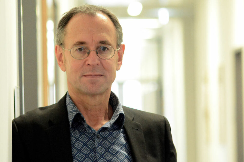Laut Meinung des Experten Professor Dr. Andreas Zick (56) steigt das Gewaltpotential an Schulen gegen Ausländer.