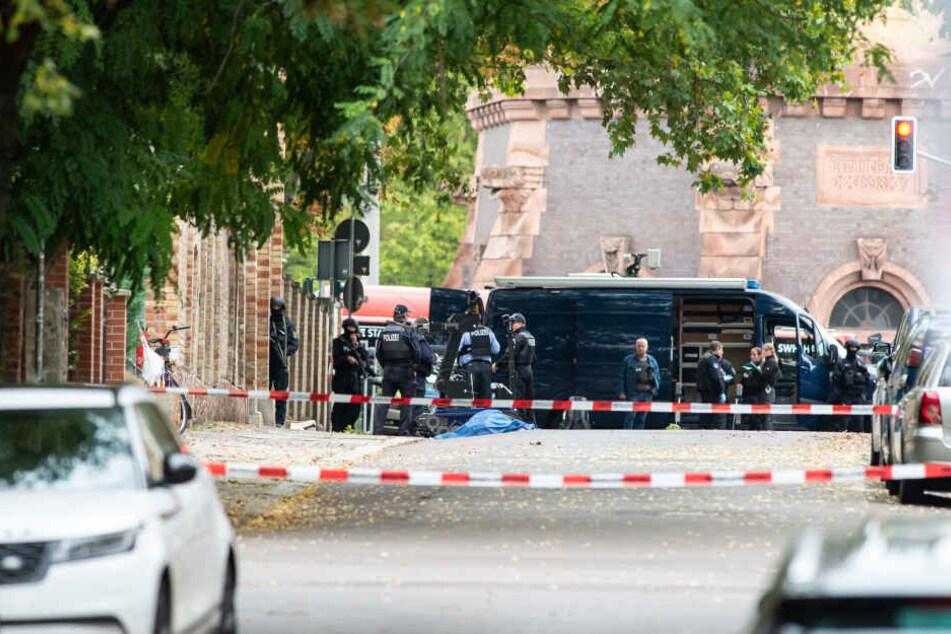 In Halle erschoss der mutmaßliche Rechtsextremist Stephan B. zwei unschuldige Menschen und verletzte weitere Personen.