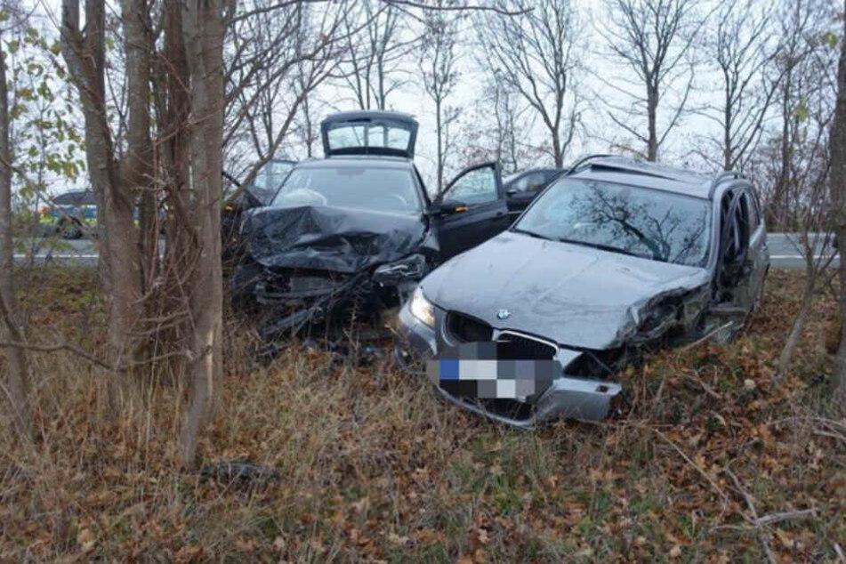 Der BMW-Fahrer war nach dem Laster mit dem VW zusammen geprallt.