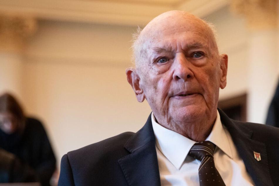 Überlebender berichtet in KZ-Prozess von der Gaskammer