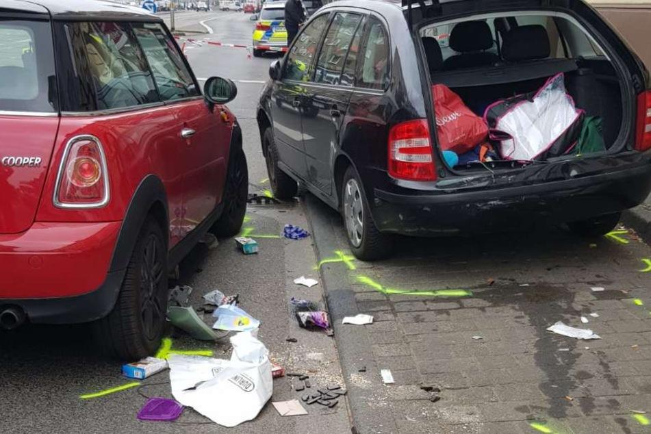 Die beiden Unfallopfer wurden hinter dem Skoda (r.) eingeklemmt, dieser prallte gegen den Mini Cooper.