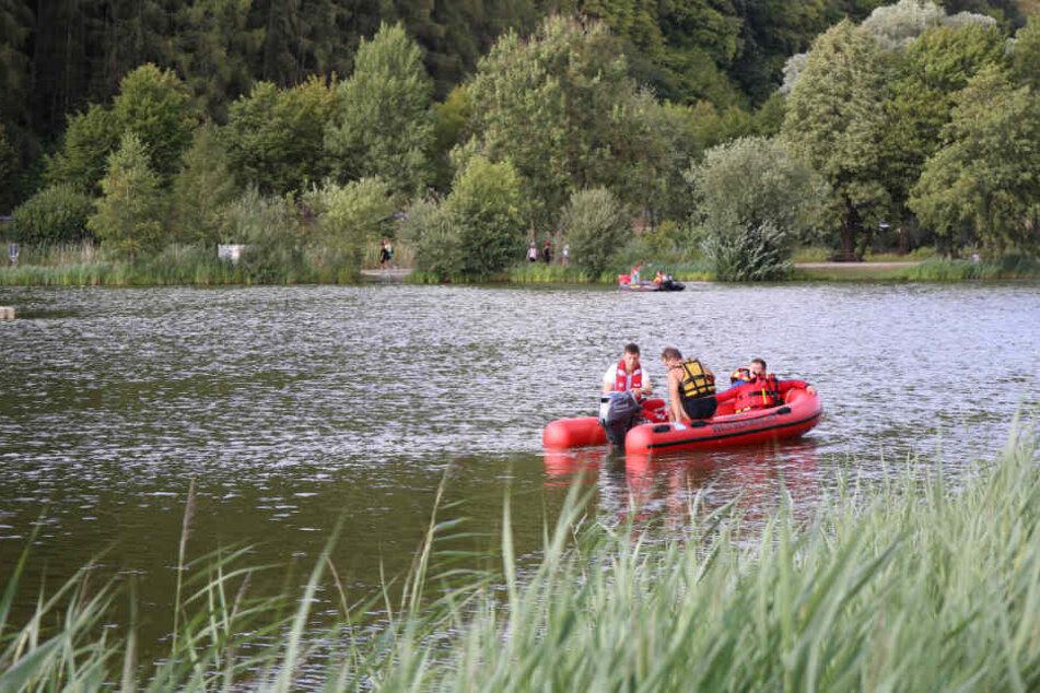 Die Wasserwacht suchte den See nach der jungen Studentin ab.