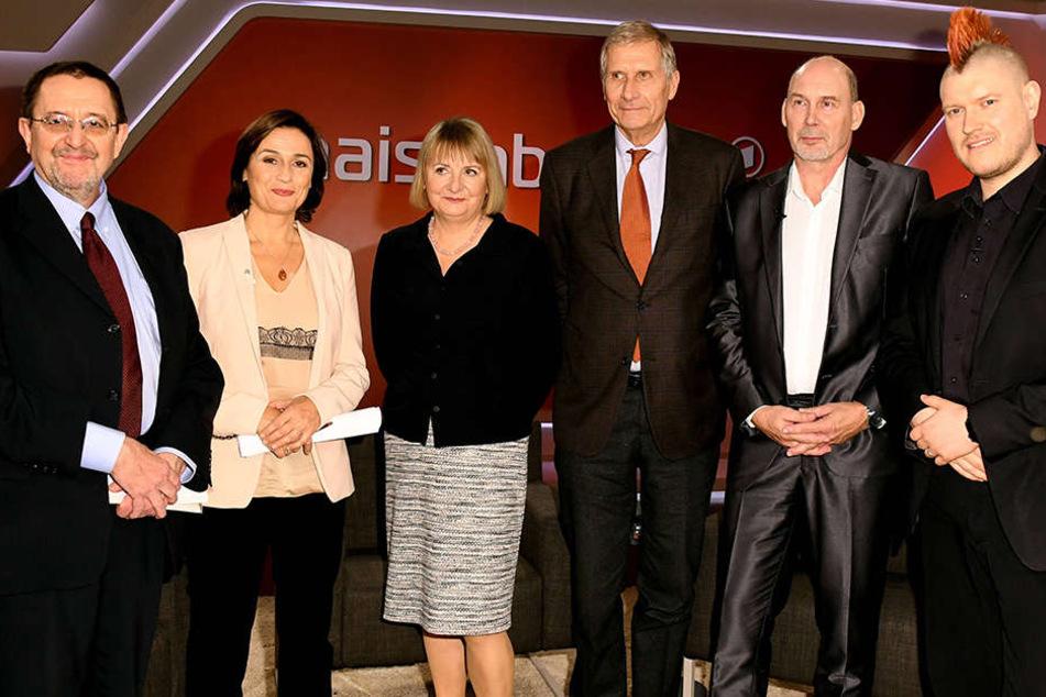 Die Gäste der Talkshow Maischberger waren: (v. l.) Gerhard Vowe, Sandra Maischberger, Vera Lengsfeld, Ulrich Wickert, Joachim Radke und Sascha Lobo.