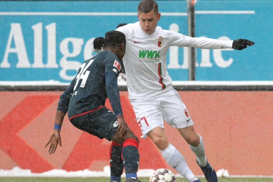 Hat in dieser Saison in 16 Bundesligaspielen zehn Treffer erzielt und wird der TSG zu schaffen machen: Augsburgs Stürmer Alfreð Finnbogason.