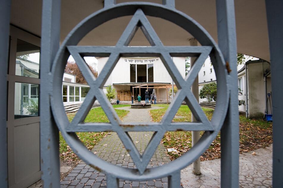 Die antisemitischen Ausschreitungen der vergangenen Tage sollen auch den NRW-Landtag beschäftigen. CDU und FDP haben eine Sondersitzung beantragt. (Symbolfoto)