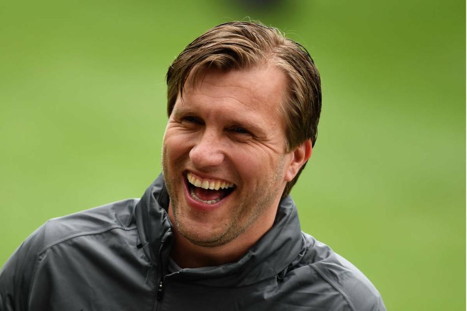Sportvorstand Markus Krösche (40) ist sehr zuversichtlich, dass Eintracht Frankfurt die Gruppenphase der Europa League überstehen wird.