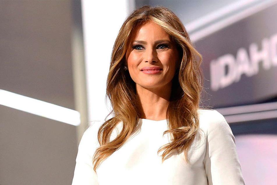 Heute heißt Melania nicht mehr Knauss, sondern Trump mit Nachnamen. 2005 heiratete sie den amerikanischen Unternehmer, der mittlerweile sogar zum nächsten US-Präsidenten gewählt wurde.
