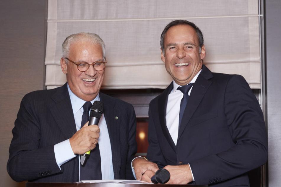 """Arturo Prisco (l.) übergibt sein Hotel an Rupert Simoner (r.) von der  österreichischen Hotelkette """"Vienna House""""."""