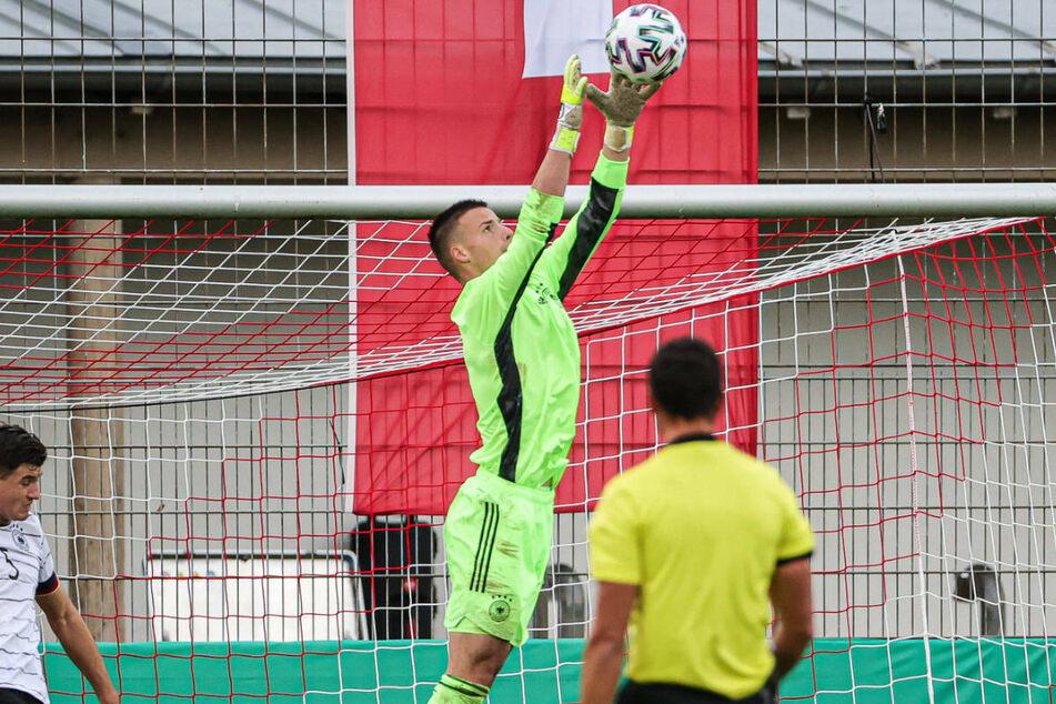 Insgesamt neunmal stand Diant Ramaj (M.) bislang für deutsche Junioren-Nationalmannschaften zwischen den Pfosten.