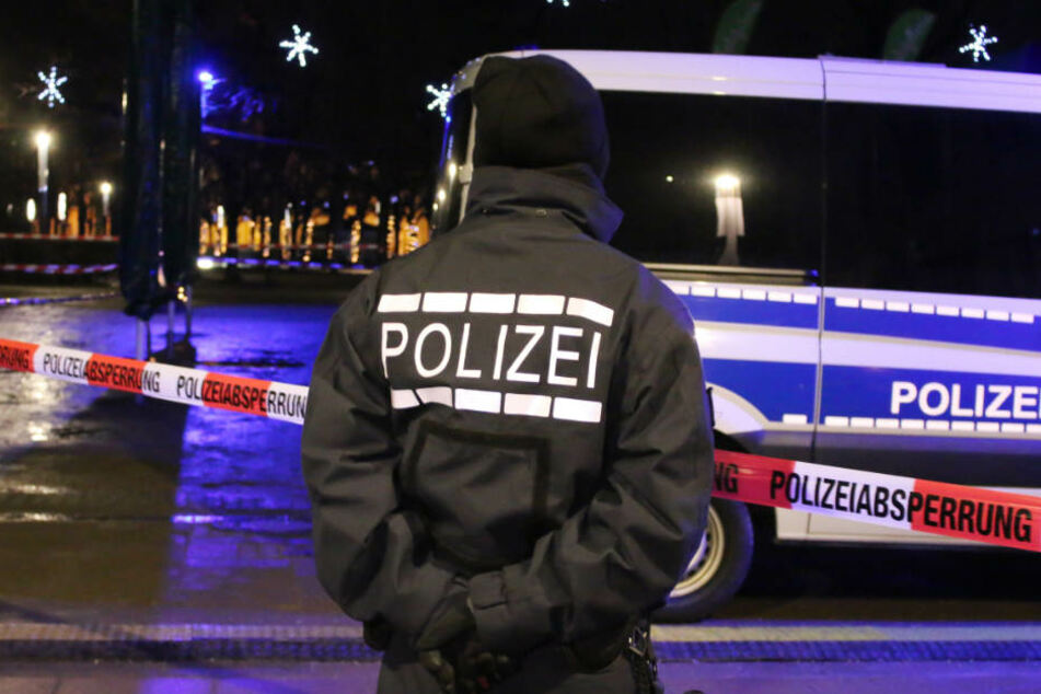 Der Schlossplatz in Karlsruhe Anfang Dezember 2017: Die Polizei rückte zu einem Großeinsatz rund um die Eislaufbahn aus.