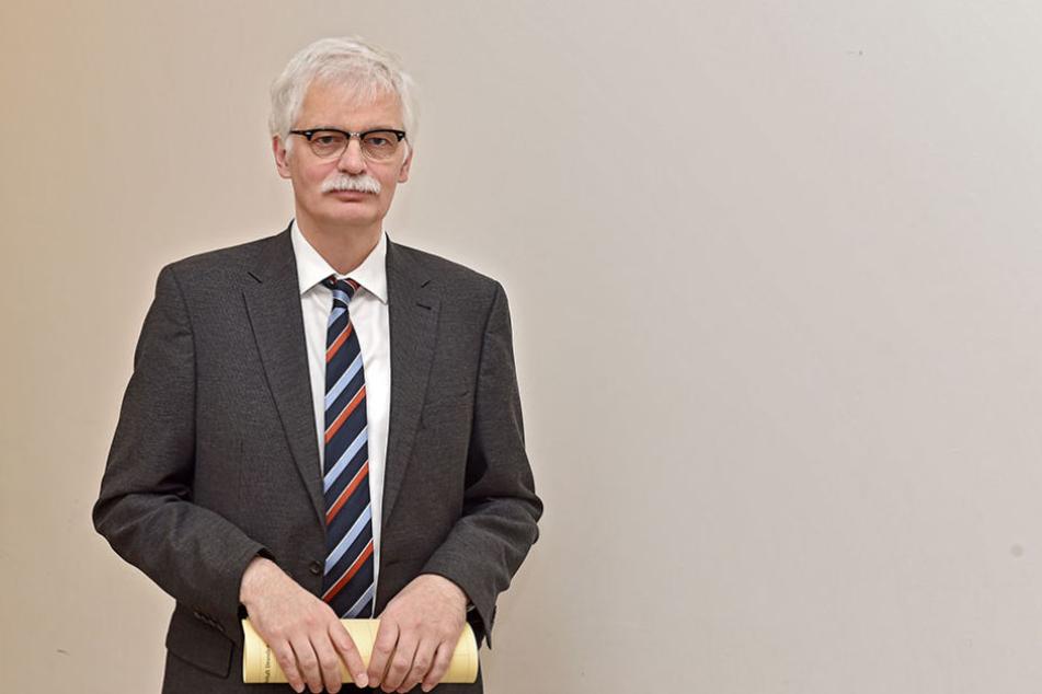 Oberstaatsanwalt Lorenz Haase (57) bestätigte, dass die Ermittlungen gegen Polizisten eingestellt wurden.