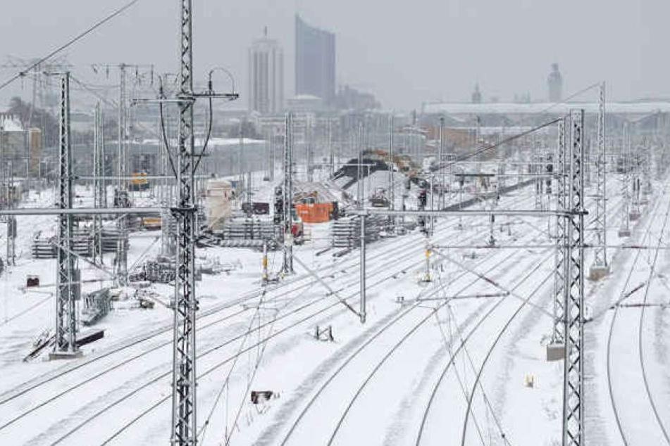 Am Samstag ging am Leipziger Hauptbahnhof wegen ergiebiger Schneefälle nichts mehr.