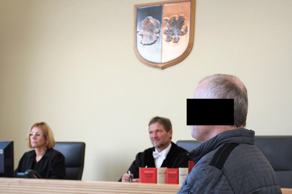 Angeklagter Michael M. (57) vor Gericht. Das Urteil lautete auf ein Jahr Haft  auf Bewährung.