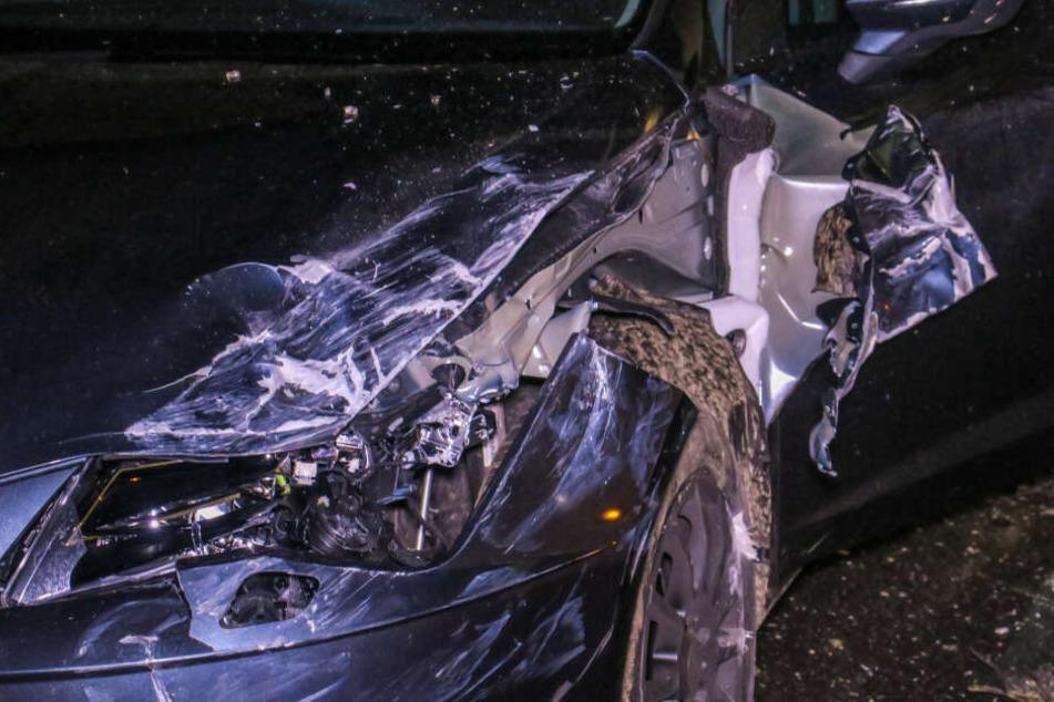 Der Seat wurde bei dem Crash stark demoliert.