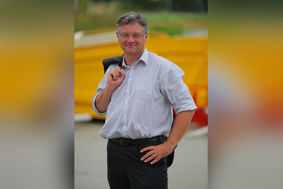 FDP-Landes-Chef und Spitzenkandidat seiner Partei, Holger Zastrow (50). Zu einer künftigen Regierungsbeteiligung sagt er: Ja, auch mit den Grünen. Dann aber wolle die FDP den Preis für den Kohle-Ausstieg richtig nach oben treiben.