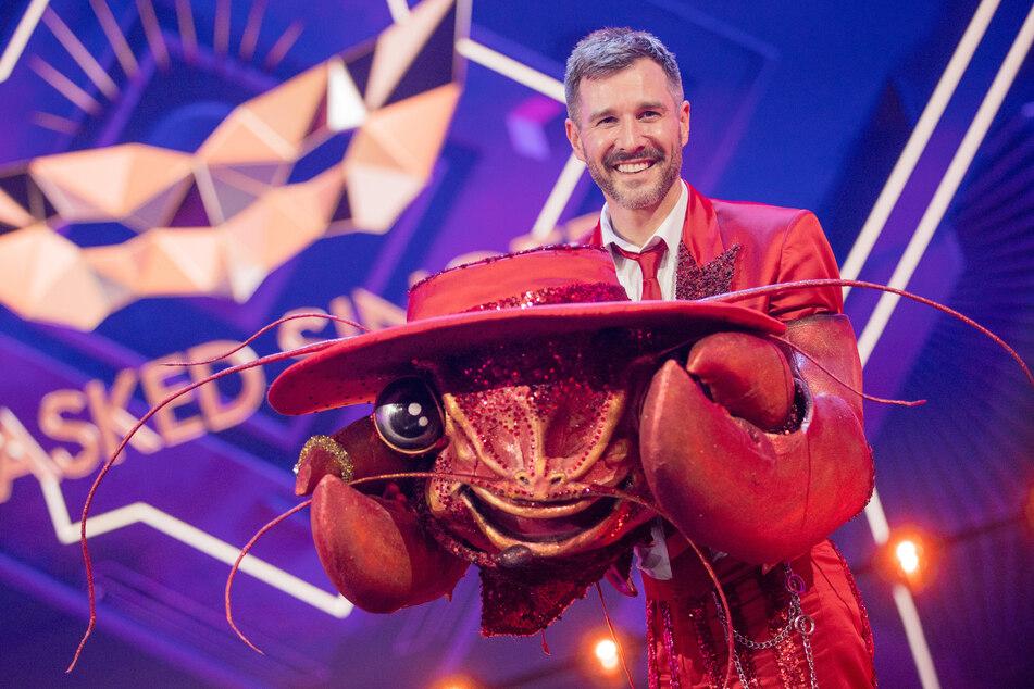 """TV-Moderator Jochen Schropp (41) steckte im Hummer-Kostüm bei """"The Masked Singer""""."""
