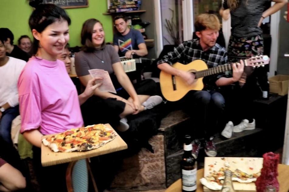 Im Pizza Lab gibt es nicht nur Pizza, sondern auch Konzerte, Kunst-Workshops oder Tattoo-Partys.