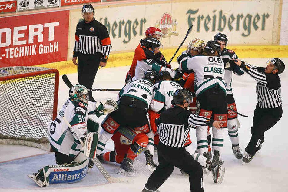 Während des Spiels kam es zu tumultartigen Szenen.