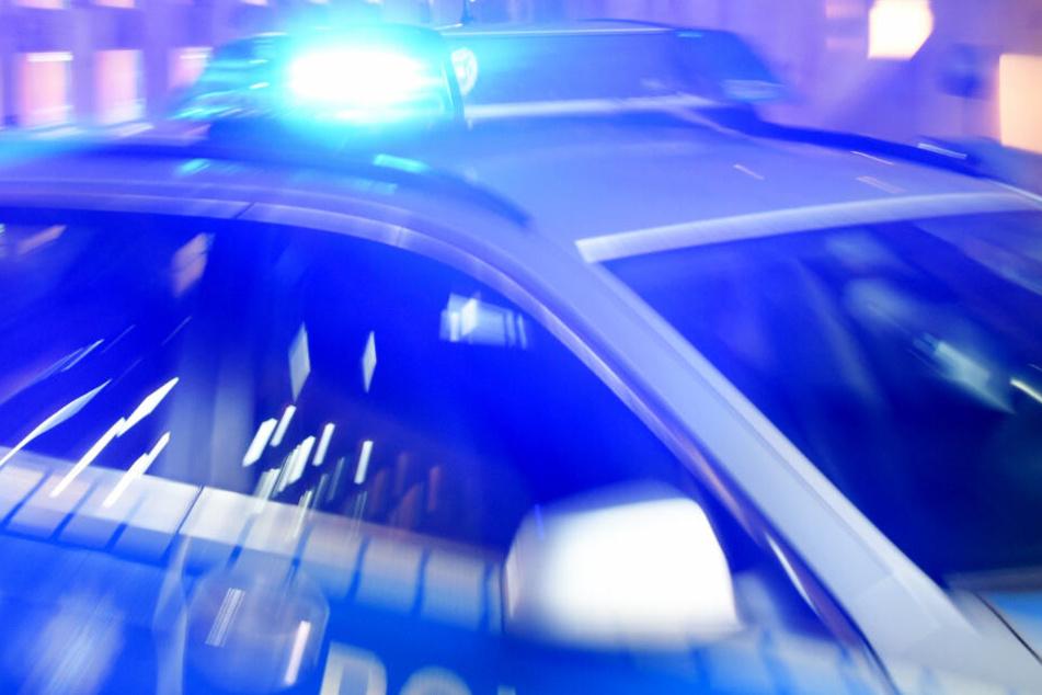 Die Polizei in Frankfurt fahndet nach zwei Tatverdächtigen (Symbolbild).