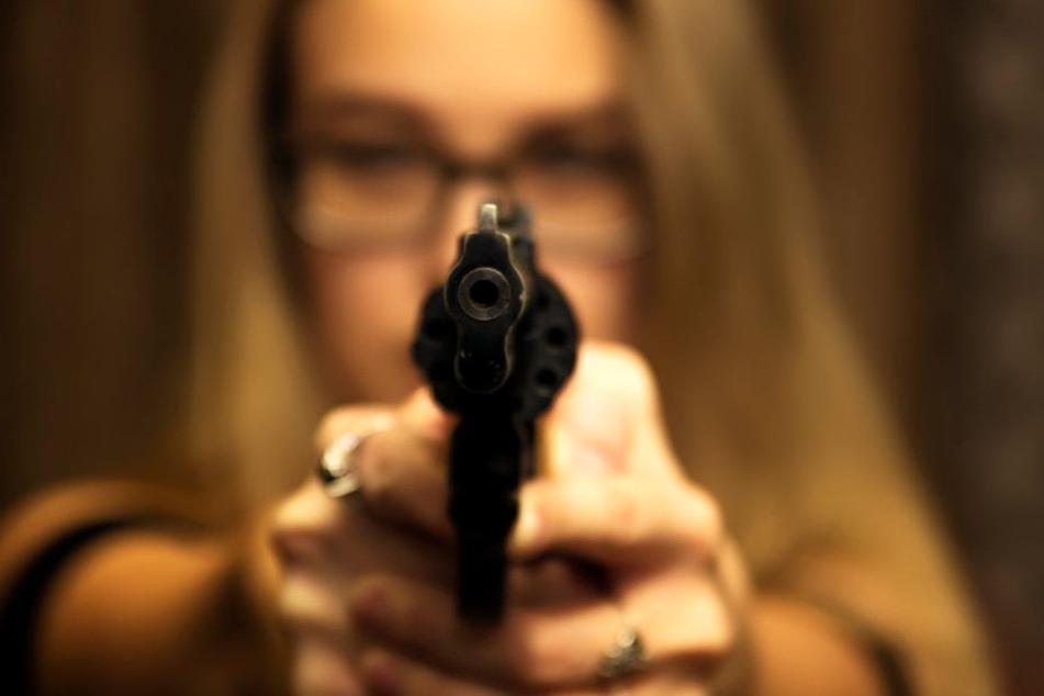 Die 23-Jährige gab zwei Schüsse ab. (Symbolbild)